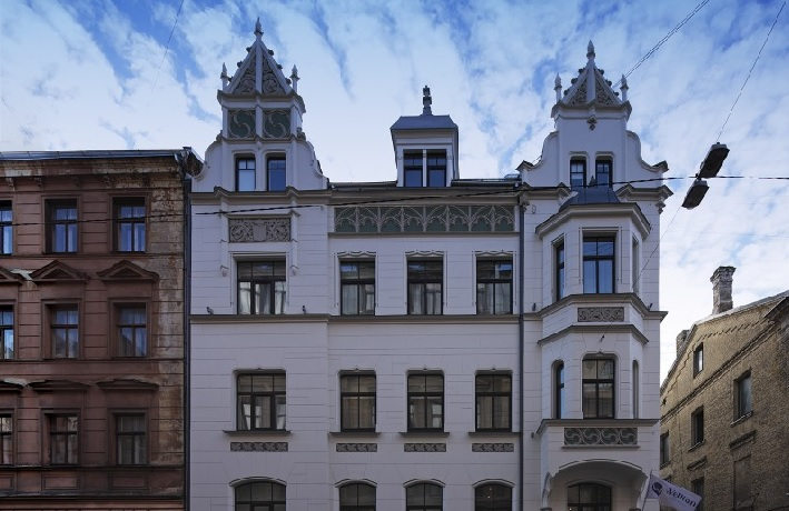 Hotel Terrace Side Homepage