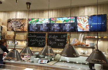 Digital Menu Boards for Pizza Italia